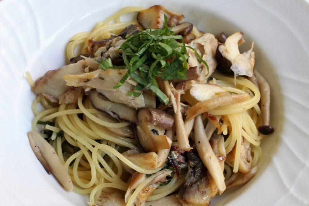 大葉ときのこが香るレシピ!塩鯖ときのこの大葉風味スパゲッティ