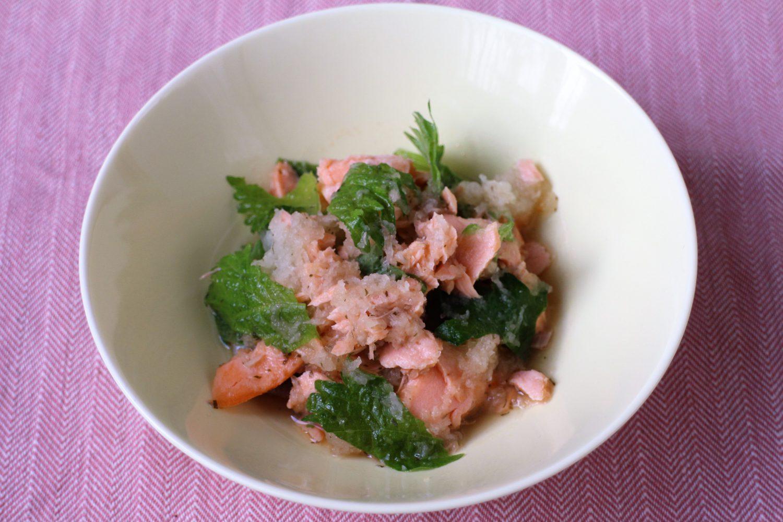 さっぱり和風な大葉レシピ!大葉と鮭のおろし和え