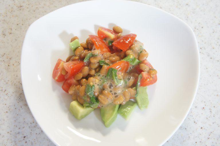 ダイエットに効果的な大葉レシピ!大葉とアボカドのネバネバ納豆