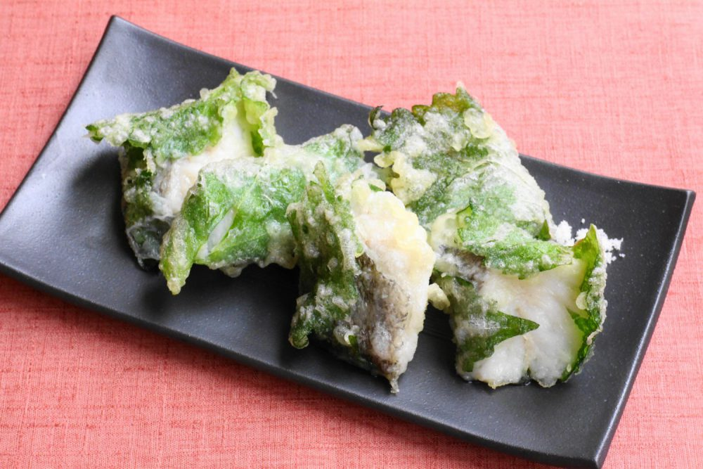 からりと美味しい大葉レシピ!鱈の大葉巻き天ぷら