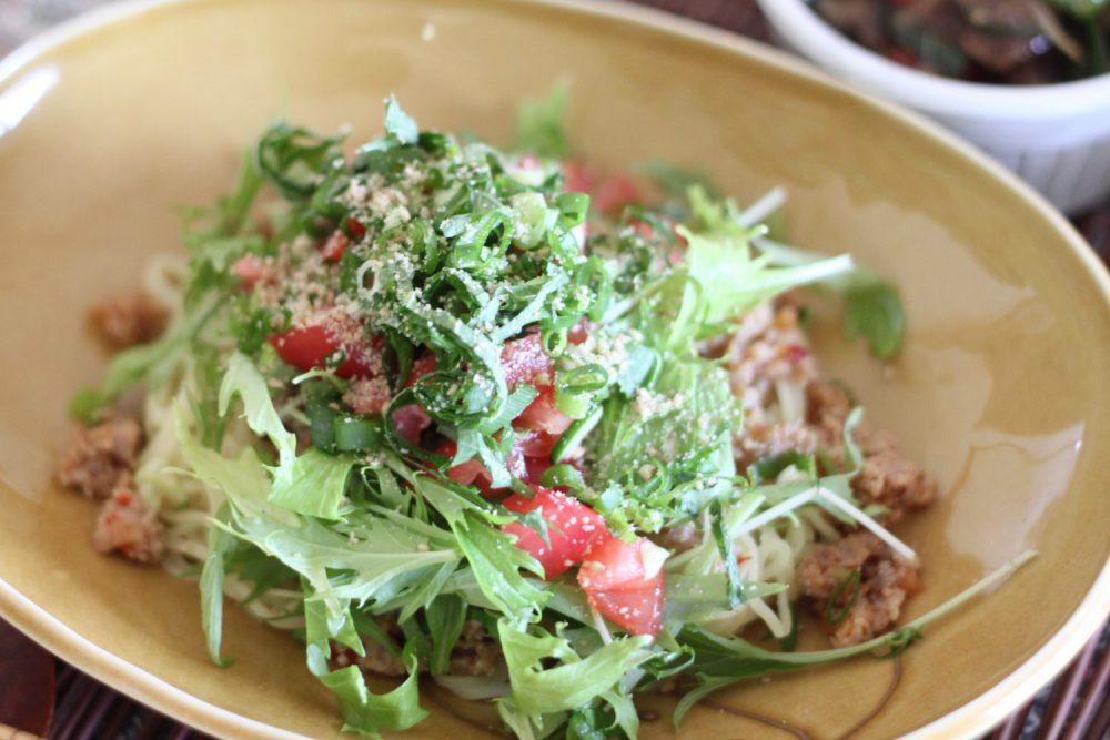 さっぱり食べれる大葉レシピ!大葉入り汁なし担々麺