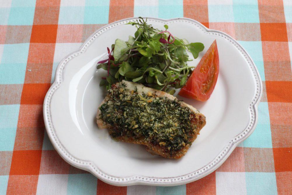 鶏もも肉と大葉のレシピ!カリッと香ばしい鶏肉と大葉パン粉焼き