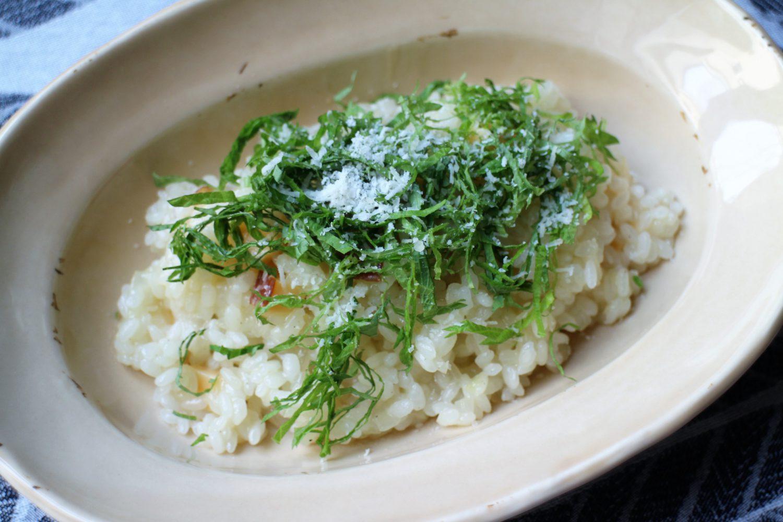 燻製の香りが引き立つ大葉レシピ!大葉とスモークチーズのリゾット